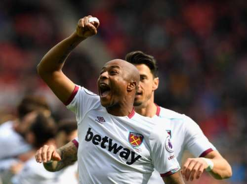 SUNDERLAND, ENGLAND - APRIL 15:  Andre Ayew of West Ham United celebrates scoring his sides first goal during the Premier League match between Sunderland and West Ham United at Stadium of Light on April 15, 2017 in Sunderland, England.  (Photo by Stu Forster/Getty Images)