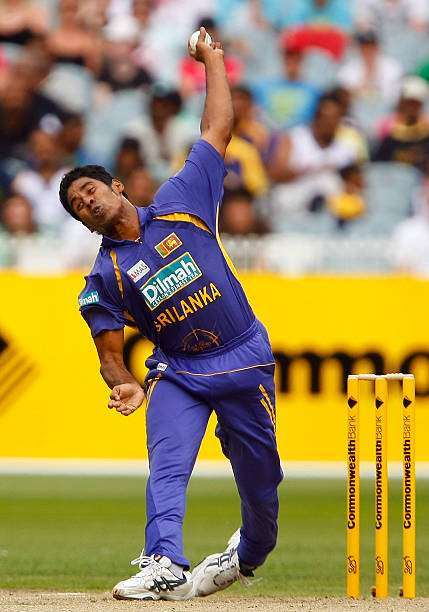MELBOURNE, AUSTRALIA - FEBRUARY 22: Chaminda Vaas of Sri Lanka bowls during the Commonwealth Series One Day International match between Australia and Sri Lanka at the Melbourne Cricket Ground on February 22, 2008 in Melbourne, Australia.  (Photo by Lucas Dawson/Getty Images)