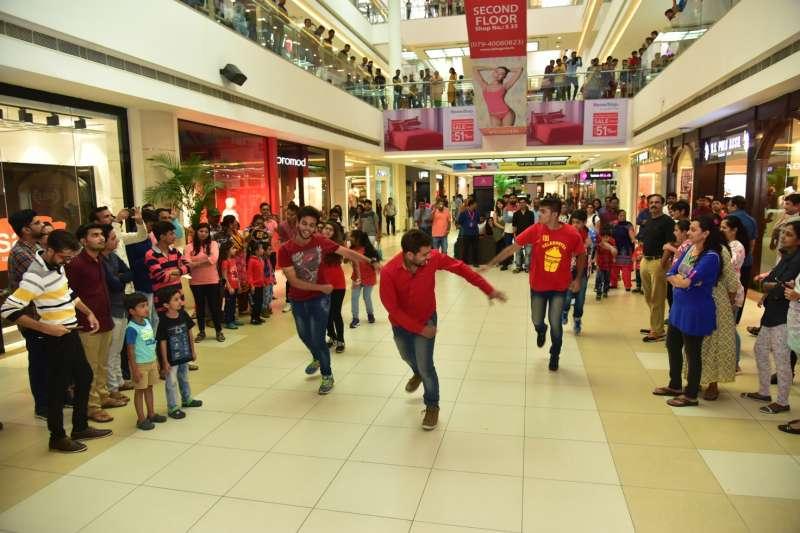 Flash Mob at Ahmedabad One Mall
