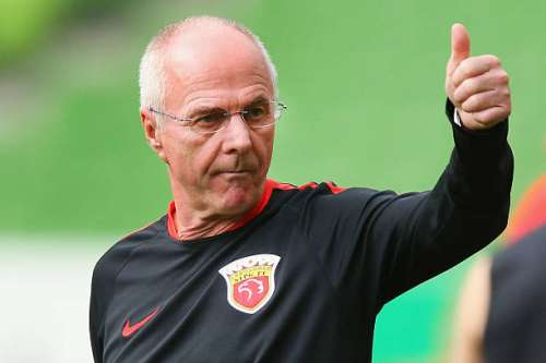 MELBOURNE, AUSTRALIA - FEBRUARY 23:  Head coach Sven Goran Eriksson gestures during the Shanghai SIPG training session at AAMI Park on February 23, 2016 in Melbourne, Australia.  (Photo by Michael Dodge/Getty Images)