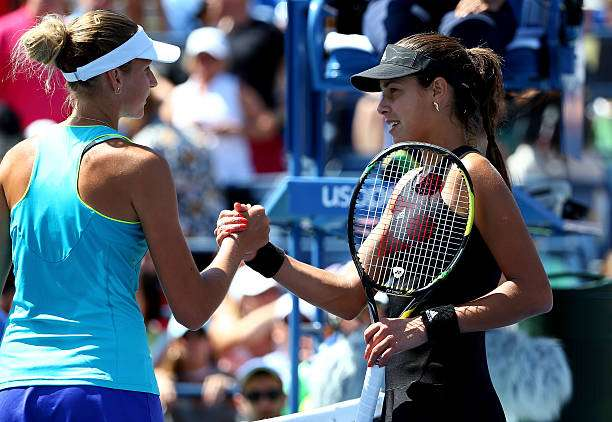 NEW YORK, NY - AUGUST 28:  Karolina Pliskova (L) of the Czech Republic shakes hands with Ana Ivanovic (R) of Serbia after their women