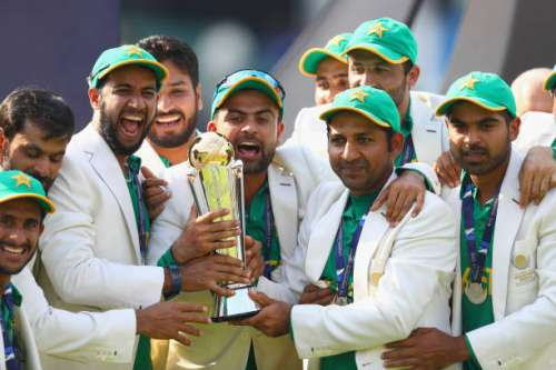 LONDON, ENGLAND - JUNE 18:  Sarfraz Ahmed of Pakistan lifts the winners trophy as Pakistan win the ICC Champions trophy cricket match between India and Pakistan at The Oval in London on June 18, 2017  (Photo by Clive Rose/Getty Images)