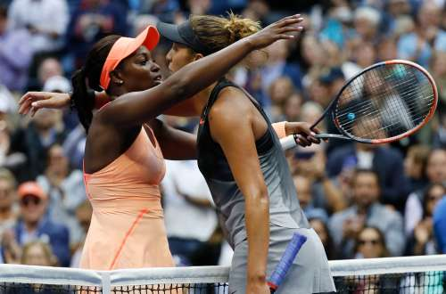 Tennis - US Open - Womens Final - New York, U.S. - September 9, 2017 - Madison Keys (R) of the United States is consoled by winner Sloane Stephens of the United States. REUTERS/Mike Segar