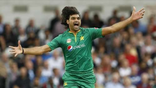 Britain Cricket - England v Pakistan - Fourth One Day International - Headingley - 1/9/16 Pakistan's Mohammad Irfan celebrates taking the wicket of England's Alex Hales Action Images via Reuters / Lee Smith Livepic