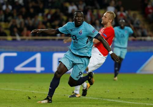 Soccer Football - Champions League - AS Monaco vs FC Porto - Stade Louis II, Monaco - September 26, 2017 Porto's Vincent Aboubakar celebrates scoring their second goal REUTERS/Eric Gaillard
