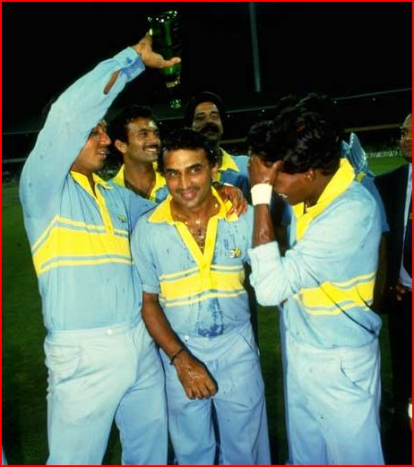 Indian team celebrates after winning the World championship in 1985