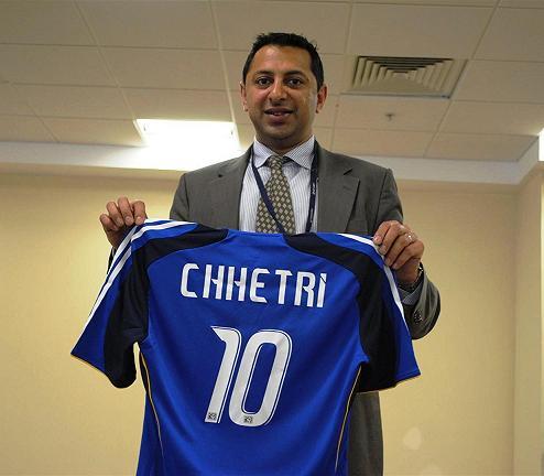 Joshee with Sunil Chhetri's Jersey