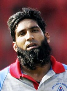 Mohammad Yousuf must be dying to play a part in saving his side from embarrasment